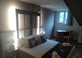 Dormitorio y la ventana