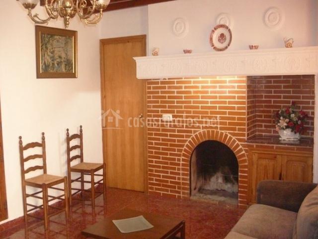 Casa l 39 auela casas rurales en la torremanzanas torre de for Sala 8 y medio alicante