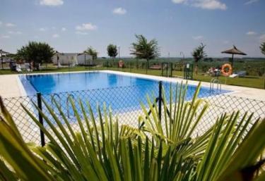 Casas rurales con piscina en villafranca - Camping en navarra con piscina ...
