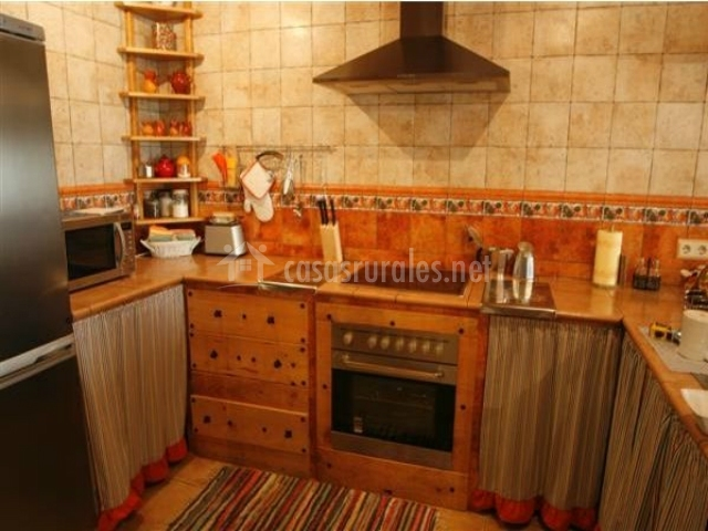 Casa rural pinillos en valseca segovia - Cocina casa rural ...