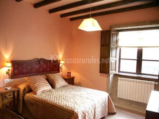 Casal dos celenis en caldas de reis casco urbano for Dormitorio original
