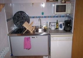 Cocina con elementos funcionales