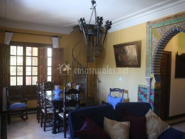 Villa las palmeras en ronda m laga for Sala de estar oscura