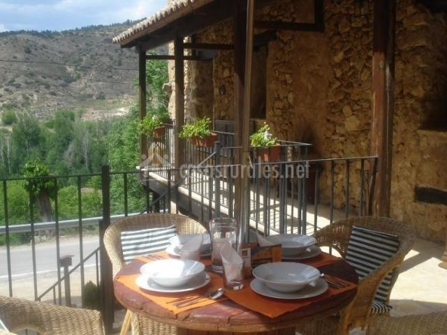 La casa gran turia en castielfabib valencia - La casa de madera valencia ...