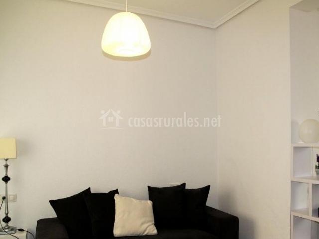 Casa nela en torres torres valencia for Sala de estar blanco y negro