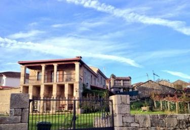 Pazos Alojamiento - Pazos (San Cristovo De Cea), Ourense