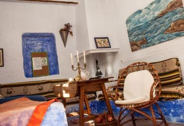 Sala de estar con detalles en tonos azules