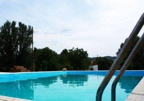 Vistas de la piscina del complejo