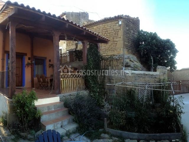 El jard n secreto casas rurales en ores zaragoza - El porche de octaviano ...
