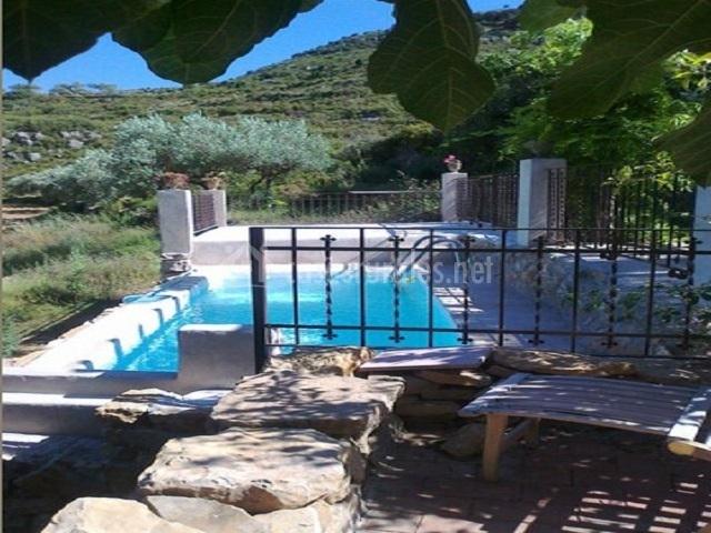 Mas a sort de boix en culla castell n for Bordillo piscina
