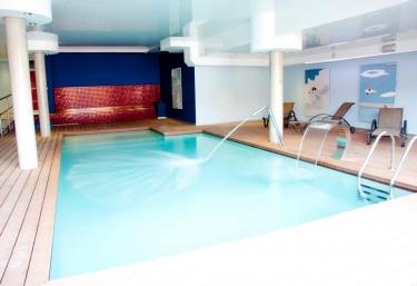 Casas rurales con piscina en beranga for Casas rurales en santander con piscina