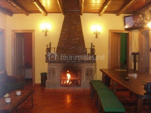 El bosque en santa maria la real de nieva segovia - Casa rural con chimenea en la habitacion ...