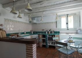 Cocina office con ventana