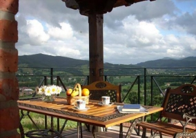 mesa en el exterior