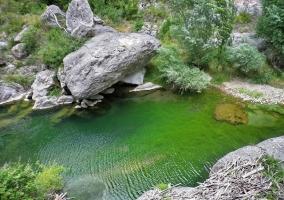 pozas y aguas naturales