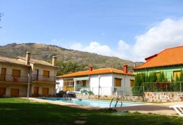Residencial Los Robles- Casas - Arroyo Frio, Jaén