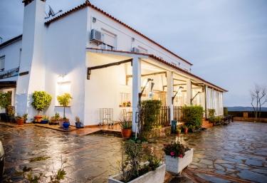 Complejo Los Veneros- Apartamentos - Corte De Santa Ana, Huelva
