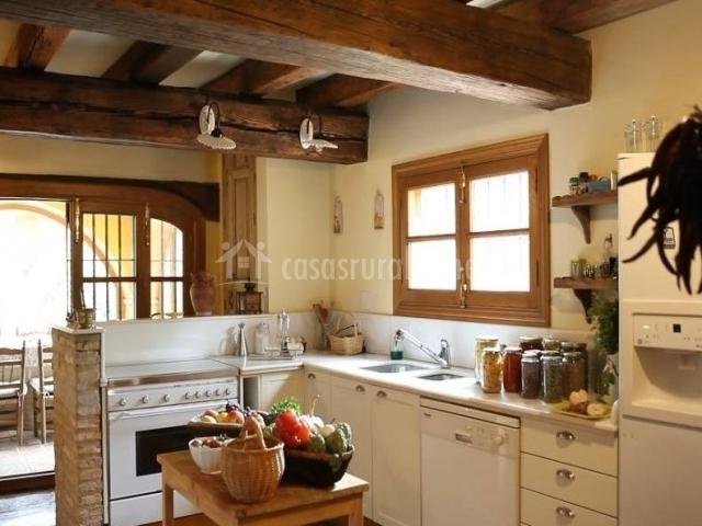 Finca el molino blanco en jabugo huelva - Techos de madera blanco ...
