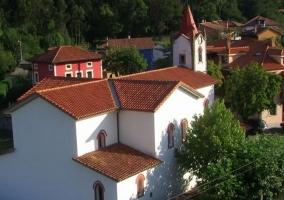 Zona centro del pueblo con torre