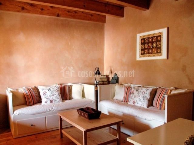 Dúplex sala de estar con diván