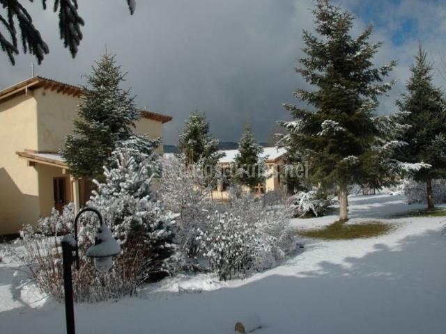 Vistas de los exteriores con nieve