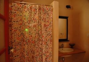 Baño dúplex con ducha