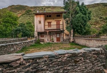 CTR El Urogallo- Casa Los Fresnos - Murias De Paredes, León