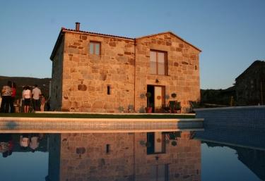 A Casa da Tulla - Gomesende (Capital), Ourense