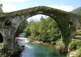 Zona del puente en Cangas