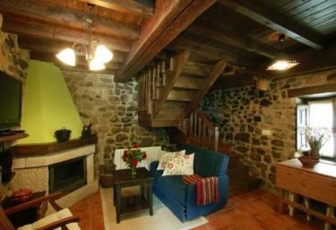 Casas rurales con chimenea en infiesto for Casa rural con chimenea asturias