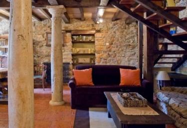 El Castiello - Refugio del Conde de Coalla - Baselgas, Asturias