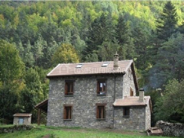 Vistas de la casa y el entorno