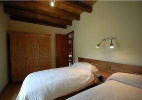 Habitación doble don armario de madera