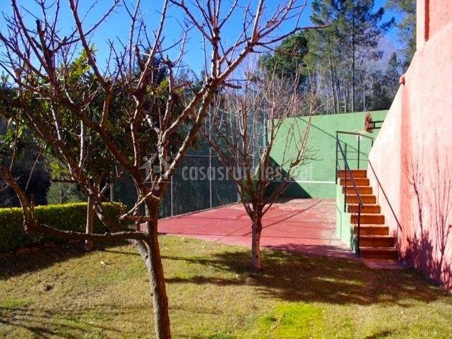 Villa colina de arb cies en arbucies girona for Piscinas naturales montseny