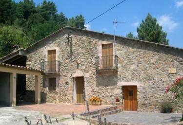 2 casas rurales con chimenea en amer - Casas rurales cadaques ...