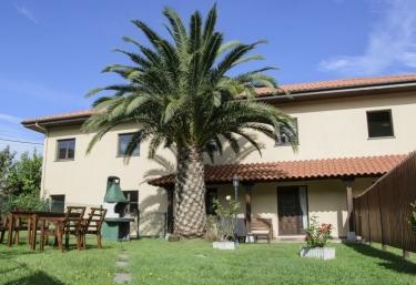 4 casas rurales con chimenea en villahormes - Casas rurales grandes ...