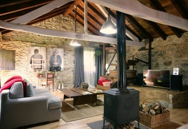 Casas rurales con chimenea en boimouro for Casa rural con chimenea asturias