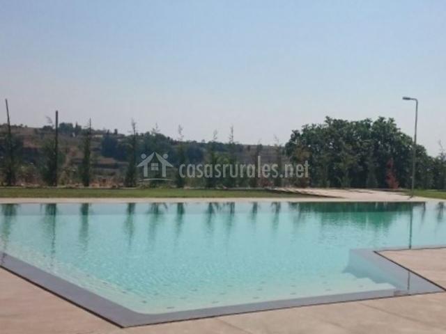 La cabana de cal barrera en solsona lleida for Barredera piscina