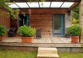 Acceso a la vivienda por el porche