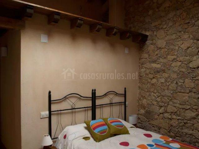 Casa de piedra de tormellas en tormellas vila - Cabeceros de piedra ...