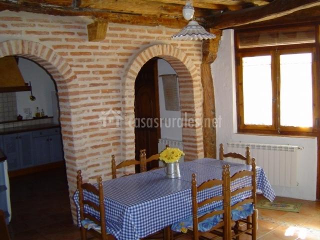 Casa rural la tata casas rurales en traspinedo valladolid for Arcos de ladrillo rustico