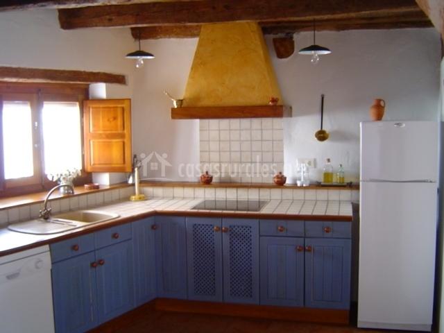 Casa rural la tata en traspinedo valladolid - Cocina casa rural ...