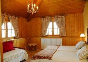 Habitación con camas individuales
