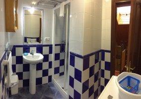 Baño en Apartamentos Cudillero