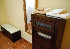 Chifonier de dormitorio doble de la casa rural