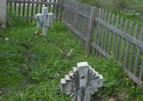 Vistas de los jardines con las tumbas