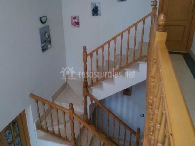 Escaleras de la casa en madera