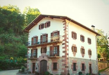 Olazahar I y II - Donamaria, Navarra