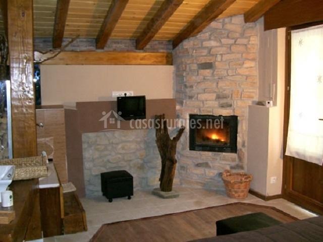Casa rural urmendi en lizarraga bengoa navarra - Casa rural con chimenea en la habitacion ...
