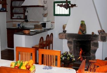 Casa Tinasoria - Roque del Oeste - Tias, Lanzarote